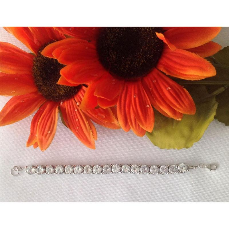 White Sun Cubic Zirconia Tennis Bracelet and Earring Set